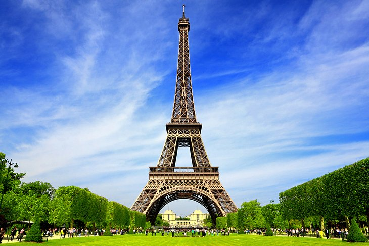 12 Famous Places for Sightseeing in Paris France, the City of Light and Romance
